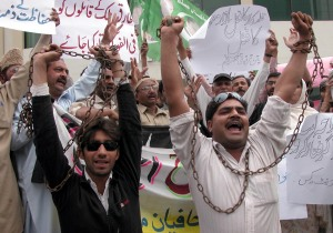 Journalists in Lahore protest reporter's murder in Rawalpindi. Photo: Rahat Dar