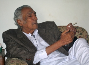 Dr Sarwar, Karachi, Jan 2007. Photo by Anwar Sen Roy