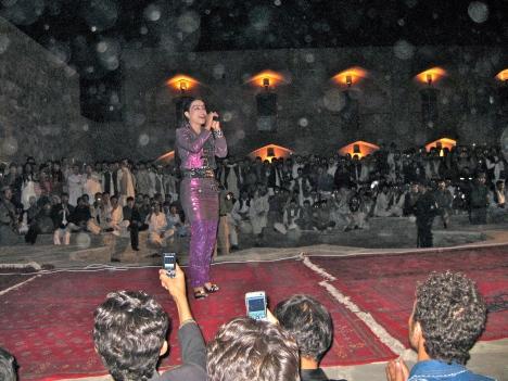 Tajik singer wows a Kabul crowd