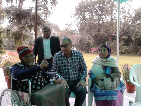 After the acquittal: Dr Chishty and Mrs Chishty with Justice Katju at the judge's residence, New Delhi, Dec 12, 2012
