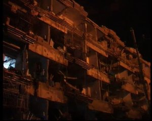 @wahaz: A grim picture of the Blast in Abbas Town #Karachi . Now you are not safe any more in your houses too.