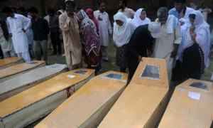Peshawar-blast-78-Church-killing-suicide_9-22-2013_119340_l