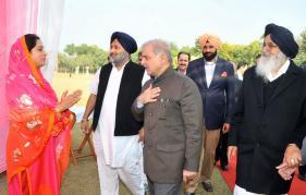 Pakistan Punjab CM Shahbaz Sharif visiting the Indian Punjab CM Badal, Dec 15