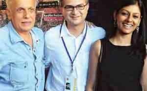 Mahesh Bhatt and Kara Film Fest director Hasan Zaidi, with Nandita Das