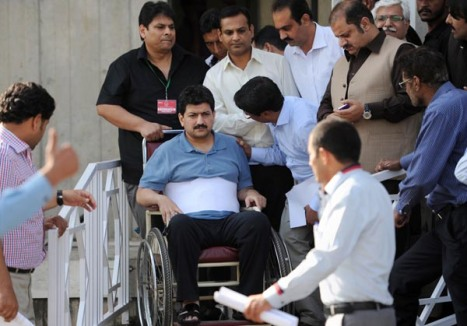 Hamid Mir: Fighting on. AFP photo: Aamir Qureshi