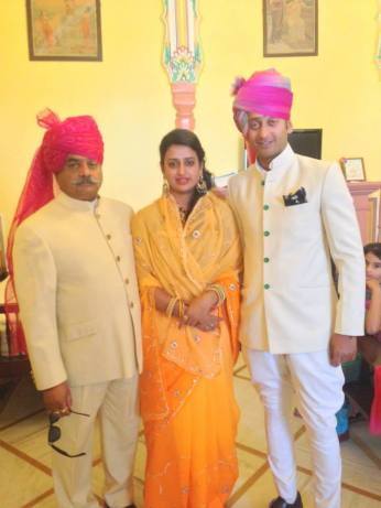 The bride Padmini Singh Rathore with her father Thakur Man Singh Rathore and her twin brother Kunwar Pratap Singh