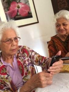 Sisters Ruqaiya Hasan and Zakia Sarwar, Karachi 2014. Photo: Huma Nadra Quraishi