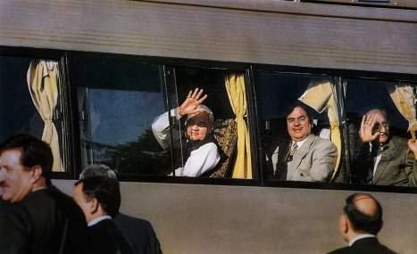 Vajpayee-bus-1999