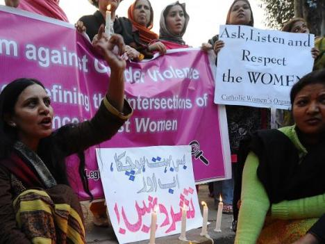 Wom-violence-Pakistan-Getty-2010